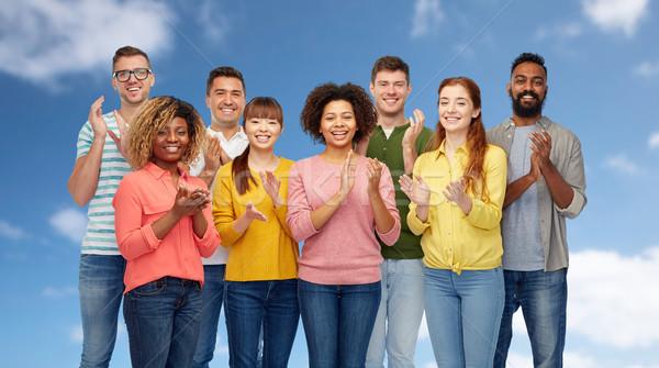 Internacional grupo feliz sorridente pessoas diversidade Foto stock © dolgachov