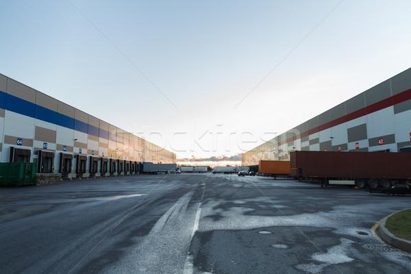 Stockfoto: Magazijn · vrachtwagens · opslag · vervoer · gebouw