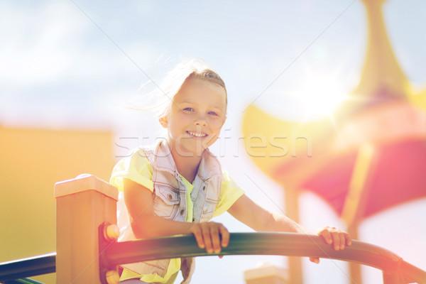 Gelukkig meisje klimmen kinderen speeltuin zomer Stockfoto © dolgachov