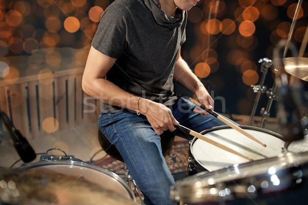 Musicista batterista giocare tamburo concerto Foto d'archivio © dolgachov