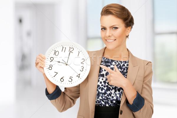 Vrouw groot klok heldere foto Stockfoto © dolgachov