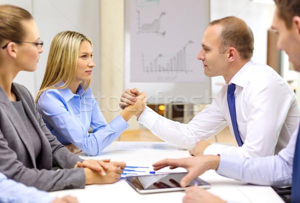 Foto stock: Empresária · empresário · queda · de · braço · negócio · escritório · reunião