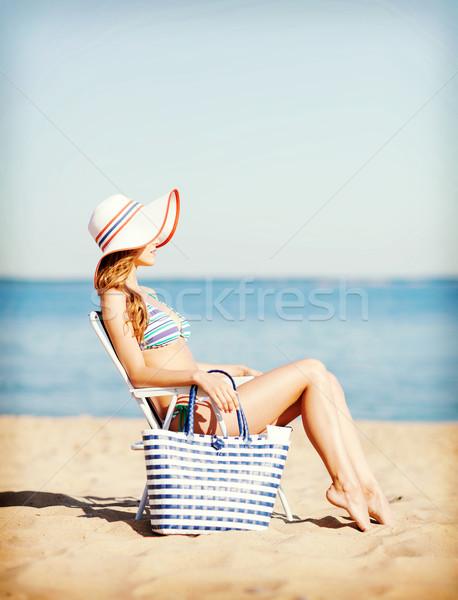 Meisje zonnebaden zomer vakantie vakantie Stockfoto © dolgachov