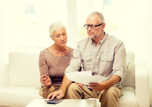 Foto stock: Pareja · de · ancianos · documentos · calculadora · casa · familia · negocios