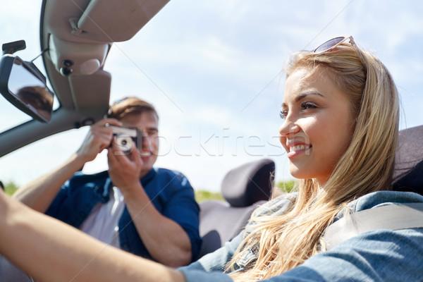 Stockfoto: Gelukkig · paar · camera · rijden · kabriolet · auto