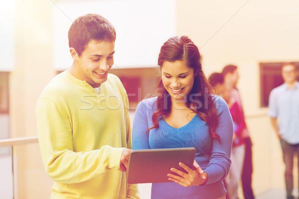 Foto stock: Grupo · sorridente · estudantes · computador · amizade