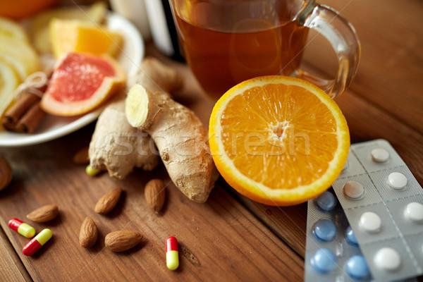 Hagyományos gyógyszer drogok egészségügy drog tabletták Stock fotó © dolgachov