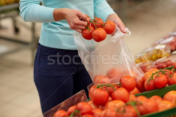 女性 袋 買い トマト 販売 ストックフォト © dolgachov
