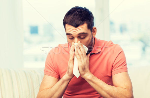 больным человека сморкании бумаги салфетку домой Сток-фото © dolgachov