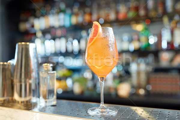 Vidrio pomelo cóctel bar alcohol bebidas Foto stock © dolgachov
