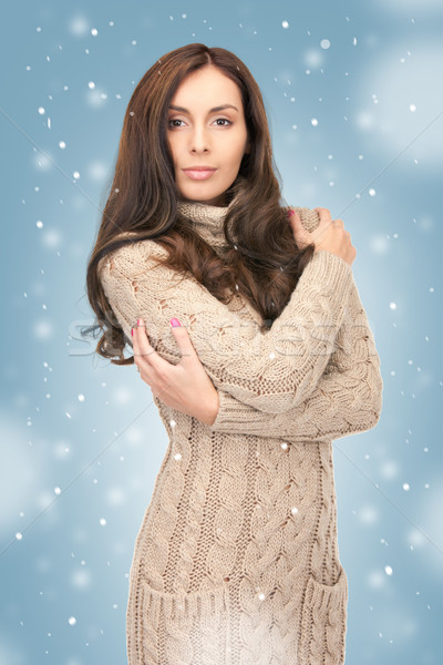 Mujer hermosa lana vestido Foto mujer invierno Foto stock © dolgachov