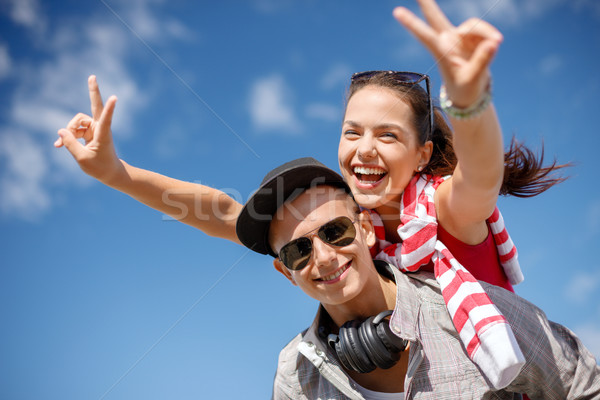 Lächelnd Jugendliche Sonnenbrillen außerhalb Sommer Stock foto © dolgachov