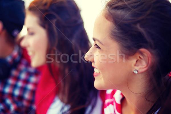 Gülen genç kız açık havada arkadaşlar yaz tatil Stok fotoğraf © dolgachov