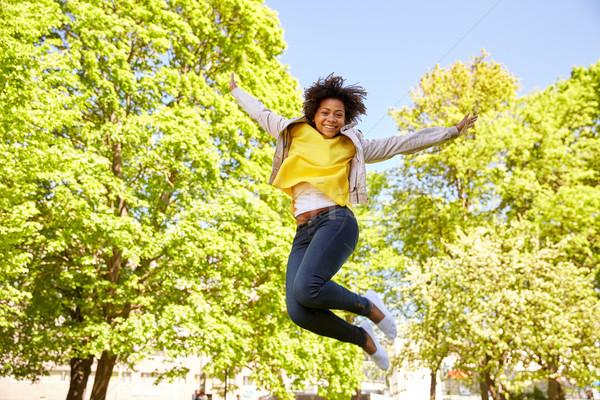 Foto stock: Feliz · africano · americano · mulher · jovem · verão · parque · pessoas