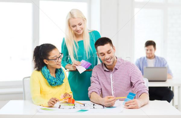 Foto stock: Sorridente · interior · trabalhando · escritório · educação · design · de · interiores