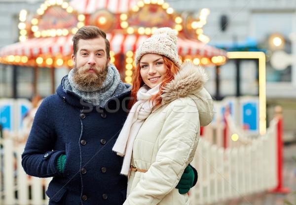 Feliz casal caminhada cidade velha férias inverno Foto stock © dolgachov