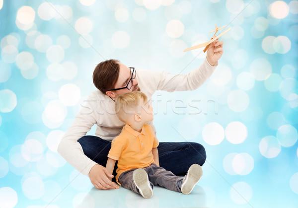 Photo stock: Père · peu · fils · jouer · jouet · avion