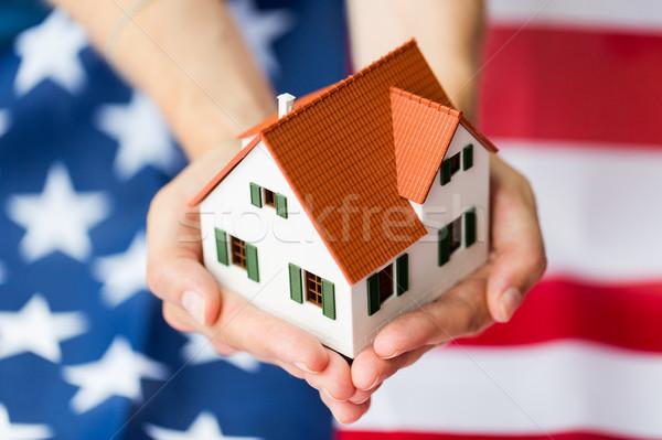 Eller ev amerikan bayrağı vatandaşlık Stok fotoğraf © dolgachov