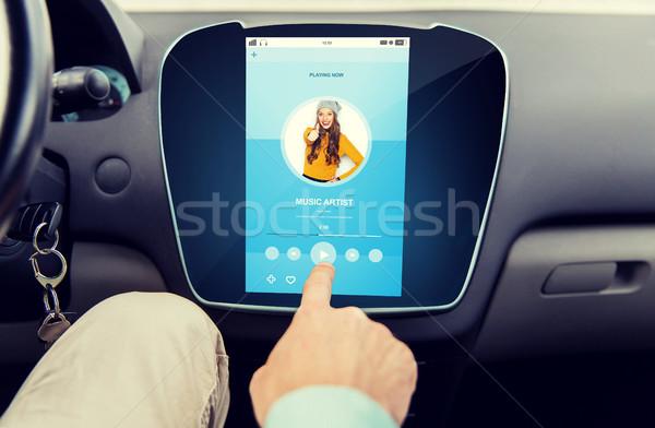 Közelkép férfi kéz zenelejátszó autó szállítás Stock fotó © dolgachov