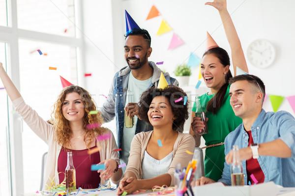 幸せ チーム 紙吹雪 オフィス 誕生日パーティー 企業 ストックフォト © dolgachov