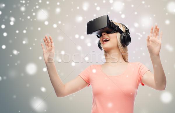 женщину виртуальный реальность гарнитура 3d очки технологий Сток-фото © dolgachov