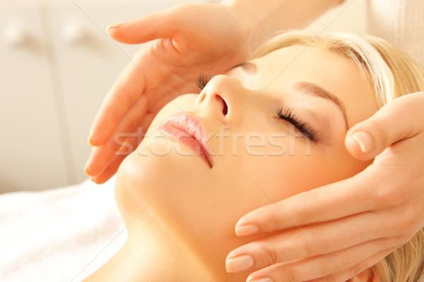 Bella donna massaggio salone foto donna Foto d'archivio © dolgachov