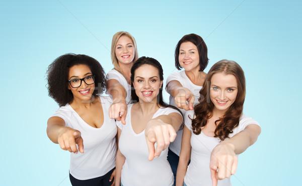 Csoport boldog nők mutat ujj választás Stock fotó © dolgachov