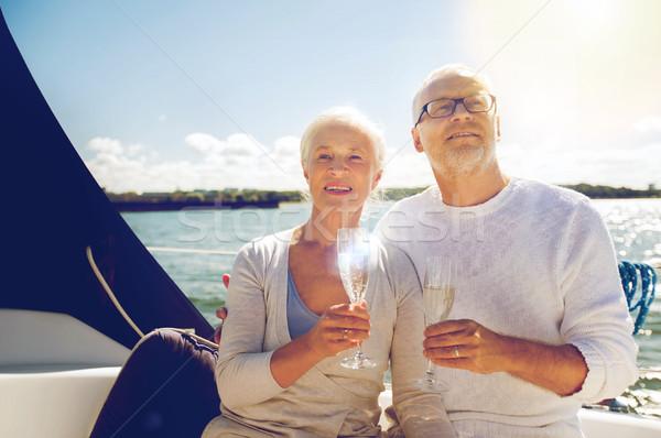 Pareja de ancianos gafas vela barco yate vela Foto stock © dolgachov