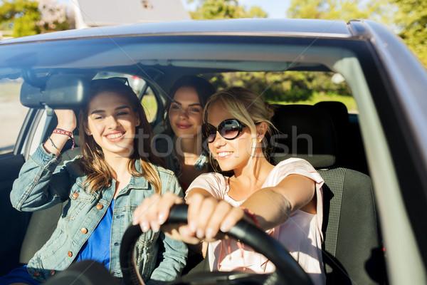 Stockfoto: Gelukkig · tienermeisjes · jonge · vrouwen · rijden · auto · zomervakantie