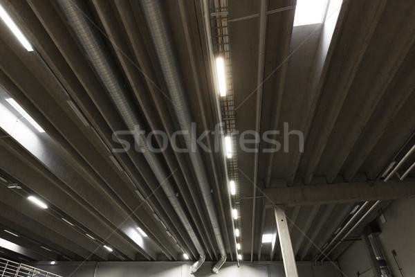 Magazijn plafond lampen industrie architectuur gebouw Stockfoto © dolgachov