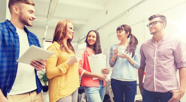 Stockfoto: Creatieve · team · koffiepauze · praten · kantoor · business