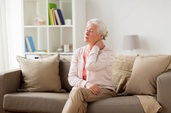 старший женщину страдание домой старость Сток-фото © dolgachov
