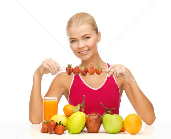 女性 自然食品 食べ イチゴ 若い女性 果物 ストックフォト © dolgachov