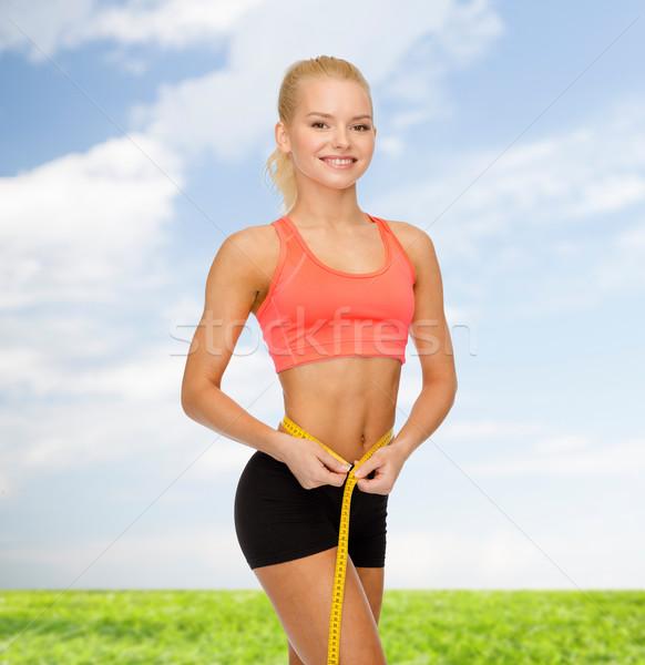 Glimlachend vrouw meetlint dieet sport Stockfoto © dolgachov