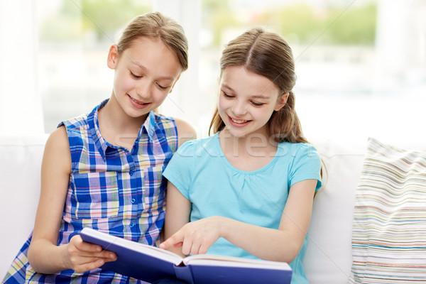 Zdjęcia stock: Dwa · szczęśliwy · dziewcząt · czytania · książki · domu