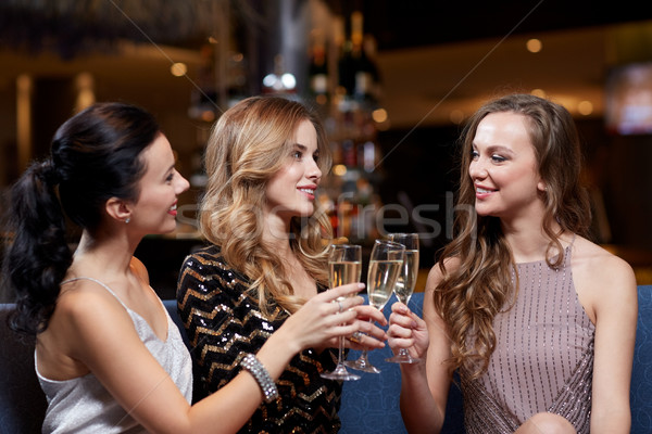 幸せ 女性 シャンパン 眼鏡 ナイトクラブ お祝い ストックフォト © dolgachov