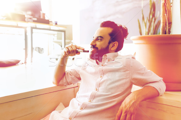 улыбаясь человека борода волос служба Сток-фото © dolgachov