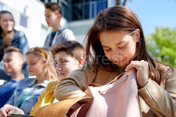 Middelbare school student meisje rugzak buitenshuis onderwijs Stockfoto © dolgachov