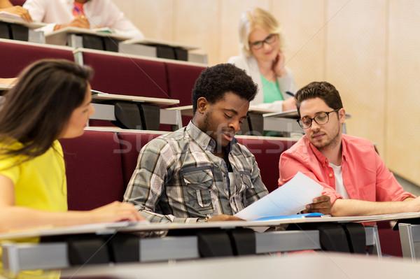 Gruppe internationalen Studenten Vortrag Halle Bildung Stock foto © dolgachov