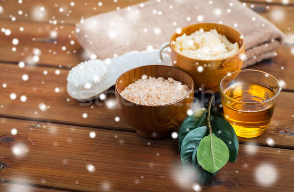 himalayan pink salt, body scrub, brush and honey Stock photo © dolgachov