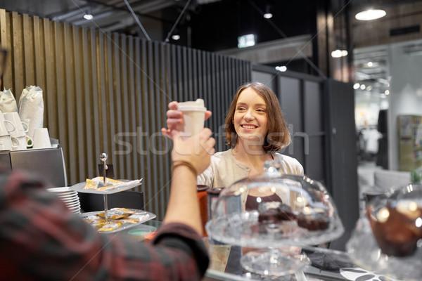 счастливым женщину чашку кофе продавец кафе Сток-фото © dolgachov