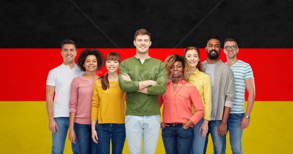Nemzetközi csoportkép zászló diverzitás verseny nemzetiség Stock fotó © dolgachov