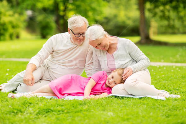 Altos abuelos nieta parque familia generación Foto stock © dolgachov