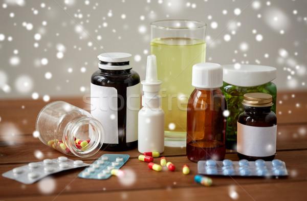 薬 薬 木製のテーブル 医療 錠剤 スプレー ストックフォト © dolgachov