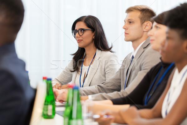Mutlu iş ekibi uluslararası konferans iş eğitim Stok fotoğraf © dolgachov