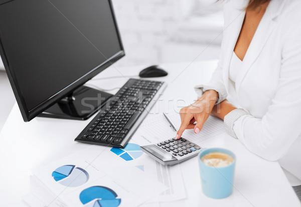 Nő kéz számológép papírok üzlet iroda Stock fotó © dolgachov