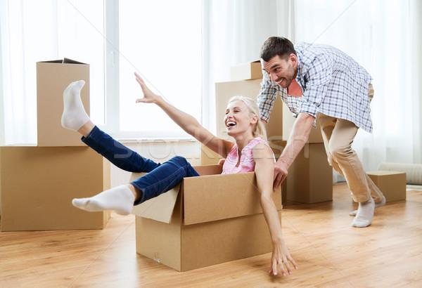 Stock fotó: Pár · karton · dobozok · szórakozás · új · otthon · otthon