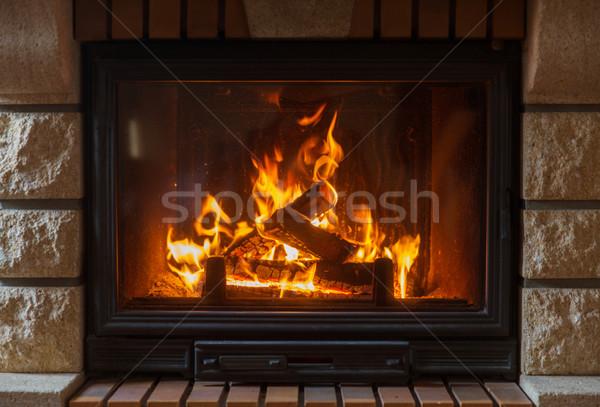 Ardor chimenea casa calefacción calor Foto stock © dolgachov