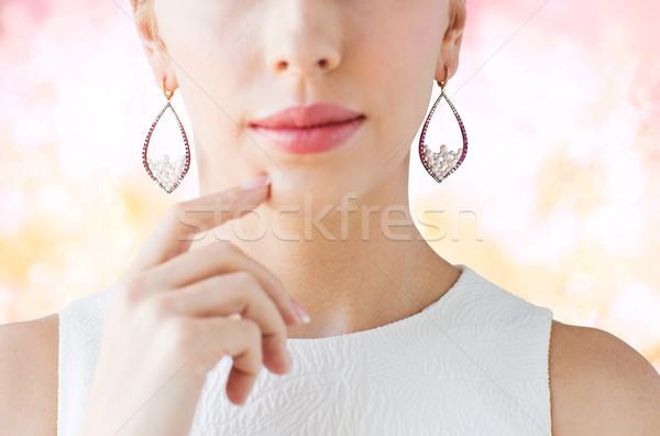 Mujer hermosa cara pendientes glamour belleza Foto stock © dolgachov