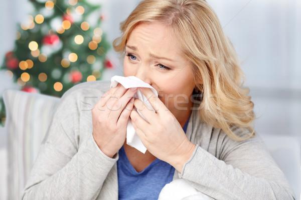 Doente mulher assoar o nariz papel guardanapo saúde Foto stock © dolgachov